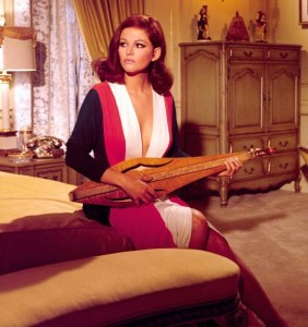 Claudia-Cardinale-With-A-Dulcimer